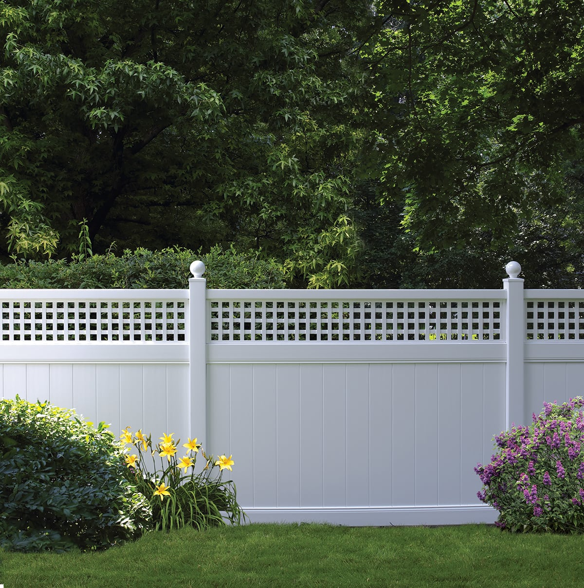 Bufftech Chesterfield Vinyl Fence With Westminster Accent