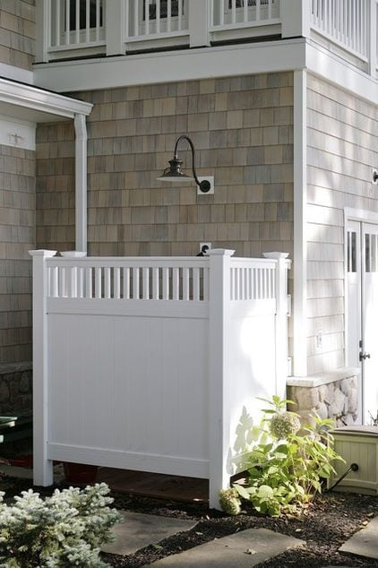 Outdoor Shower Stalls
