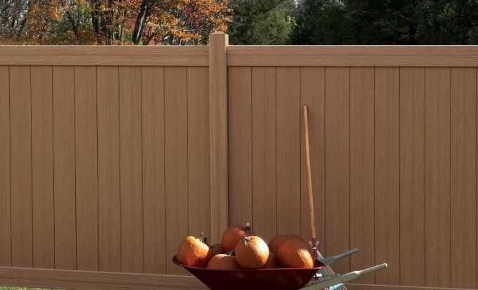 wood grain look vinyl fence
